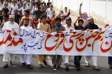 rally-against-gays-and-lesbian-karachi