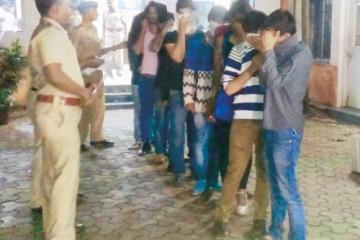 Mumbai Police raided a gay part at Chez-Moi Pub in Oshiwara