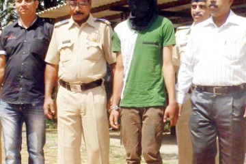 The accused Nawaz Siddique with the police (Photo courtesy: Mid Day