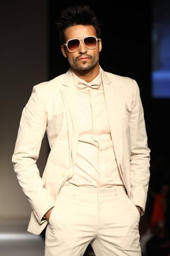 Pictures Courtesy : Lakme Fashion Week