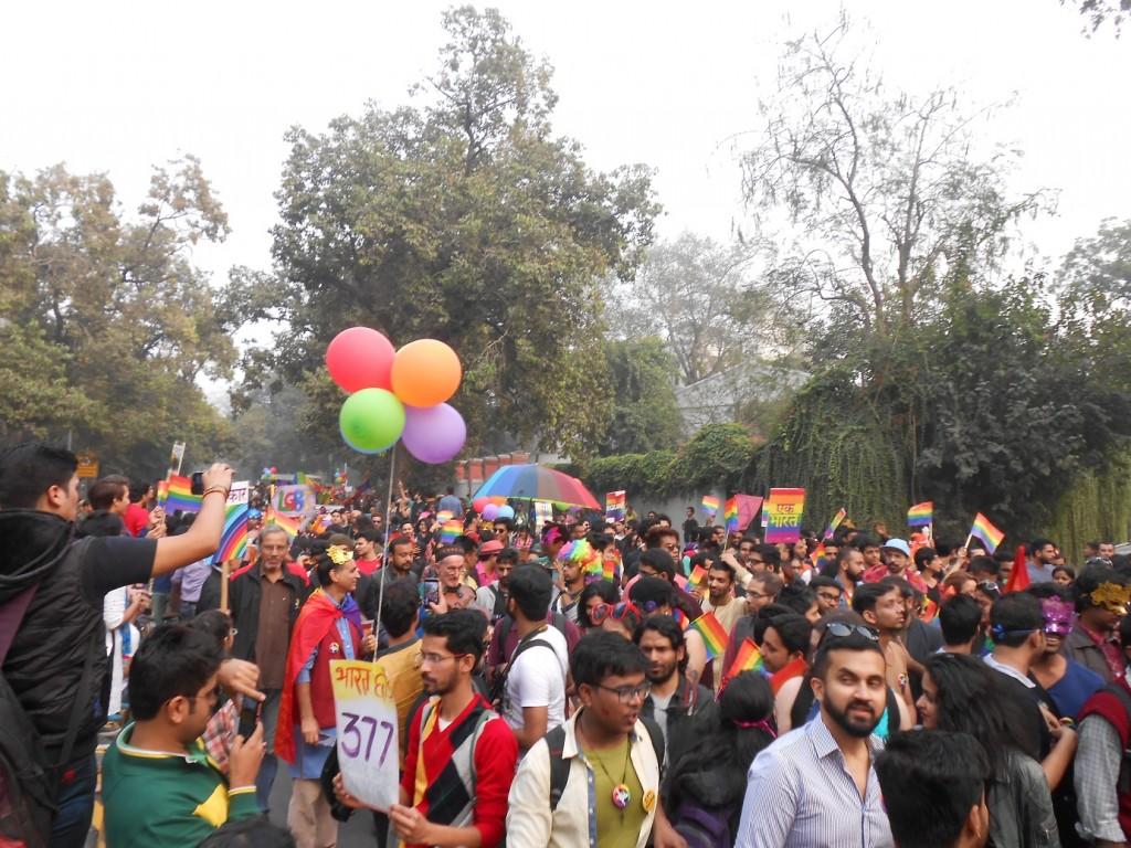 delhi_pride_crowd